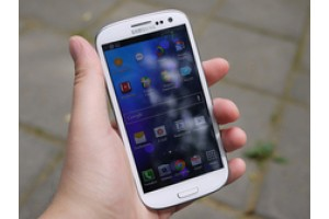Флагману Samsung урезали функции из-за требований Apple