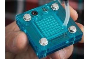 Солнечный суперконденсатор производит водород и электричество одновременно